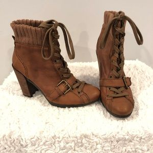 Nine West - Brown Leather Booties! 💫🥰